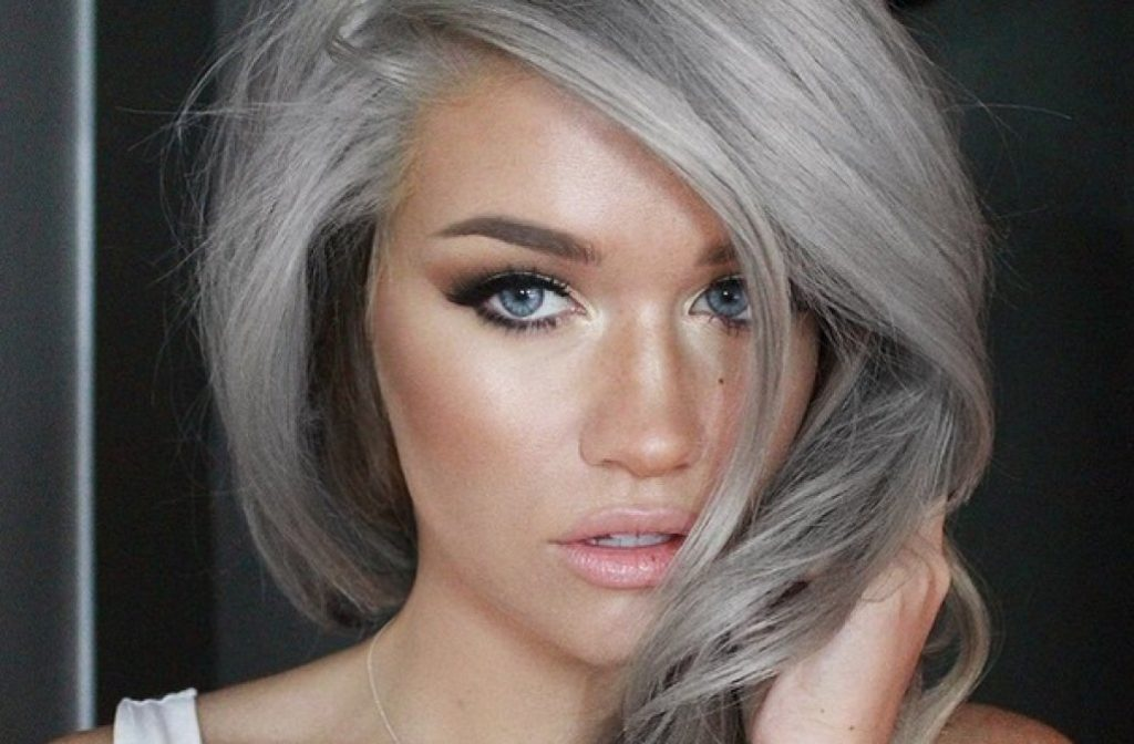 S-A-M-A-N-T-H-A-RAVNDAHL-gray-1024x672Blonde for the Summer